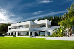 5 bedroom villa in Las Brisas-Marbella Unique Properties-Real Estate in Marbella (23).jpg