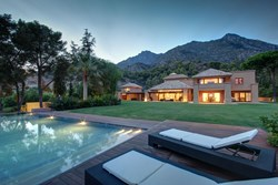 6 bedroom villa in cascada camojan-Marbella Unique Properties-Real Estate in Marbella (2).jpg